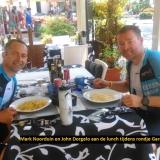 Mark Noorduin en John Dorgelo aan de lunch tijdens rondje Gardameer 12-07-2016