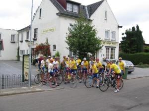 Klaar voor de start voor Hotel de Lange Akker in Bergen Terblijt